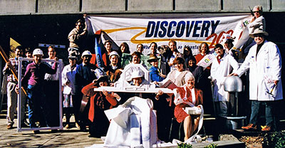 Discovery 2000 Staff